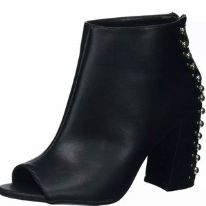 Madden Girl Shoes - Madden Girl Arla Leather Almond Toe Bootie